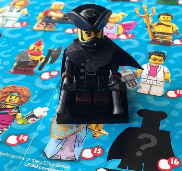 Lego Minifigures 71018 Tajemnicza Postać