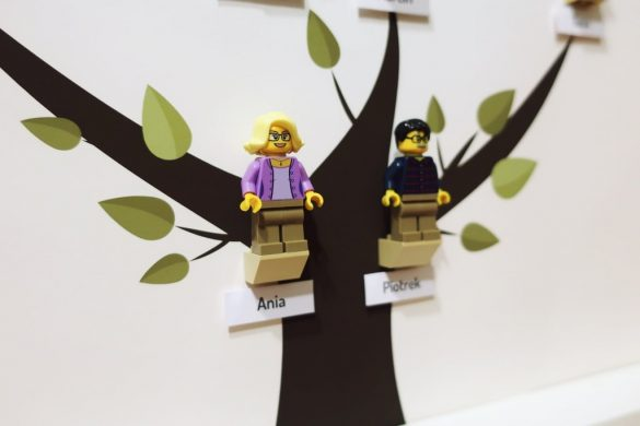 Oryginalne drzewo genealogiczne z klocków LEGO