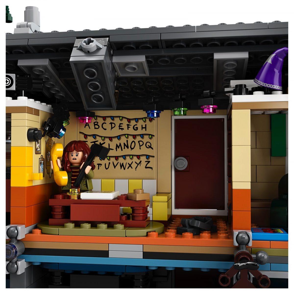 LEGO Stranger Things Netflix