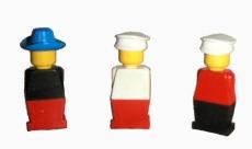 Pierwsze minifigurki z 1974 roku, fot. brickimedia.org