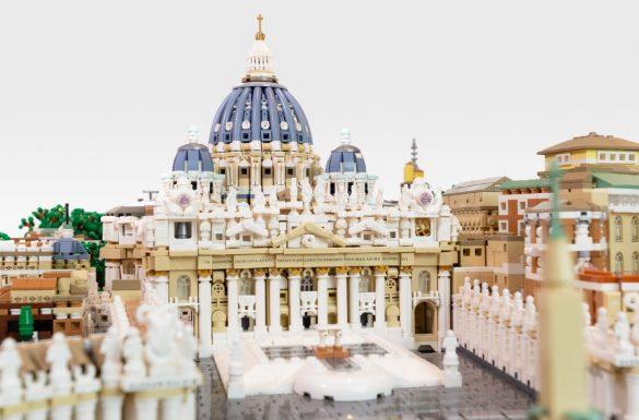 Watykan z 67 tys. klocków LEGO, fot. flickr.com/Rocco Buttliere